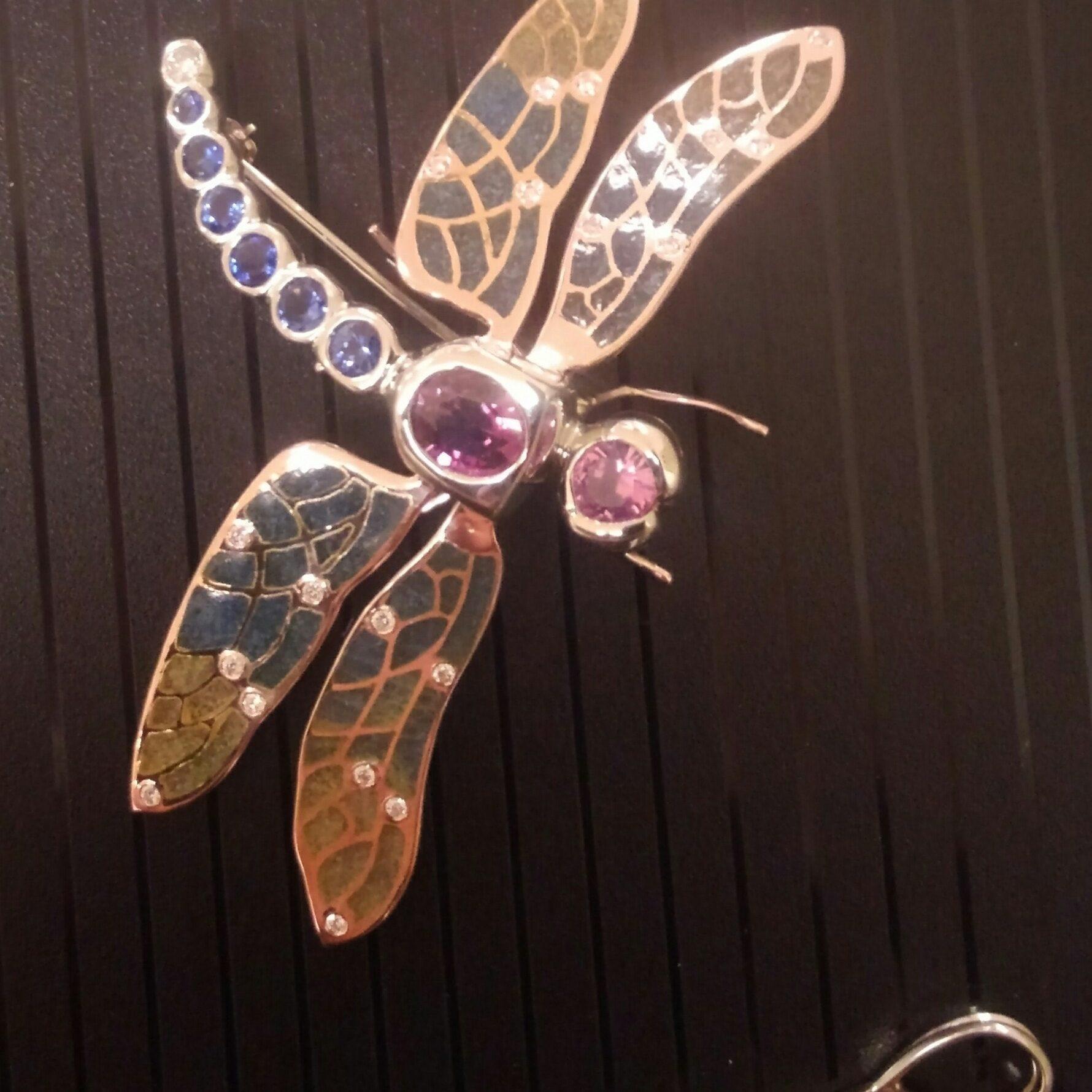 enamel dragonfly-min
